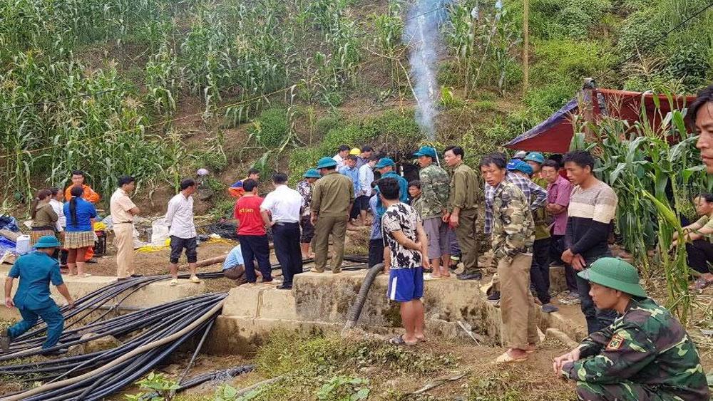 ông Giàng Seo Lử , đi tháo máy bơm nước, người đàn ông bị mắc kẹt,  hang ở Lào Cai,  bị mắc kẹt suốt 7 ngày trong hang ở Lào Cai