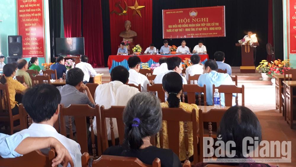 Phó Chủ tịch UBND tỉnh Lại Thanh Sơn tiếp xúc cử tri huyện Lục Nam
