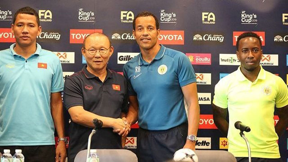 "Park Hang-seo: ""Curacao clash will offer good experience for Vietnamese players"""