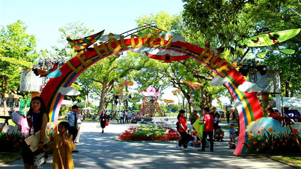 Kite festival kicks off in Thua Thien-Hue