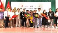 """Trao kỷ lục Việt Nam cho """"bà Tân Vlog"""""""