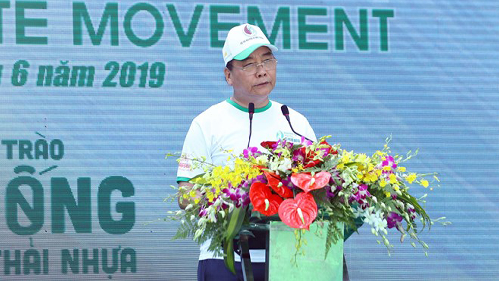 PM Nguyen Xuan Phuc, drastic measures, plastic waste, practical and concrete measures, national campaign, sustainable development, single-use plastic products, Challenges for Change