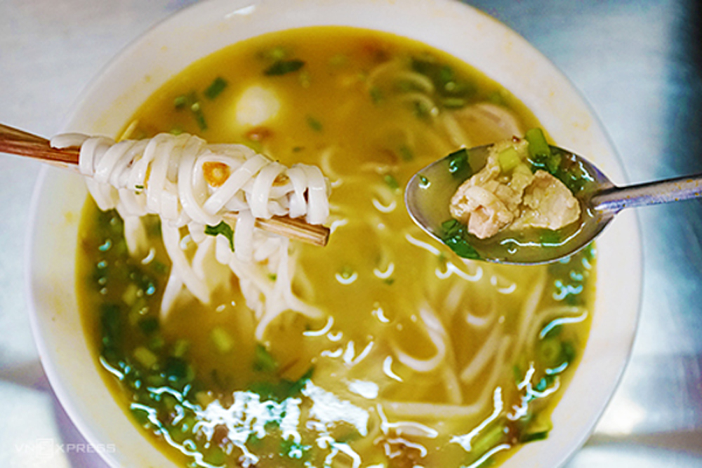 Porridge noodles, Chao canh, Nghe An specialty, popular porridge noodle, popular dish