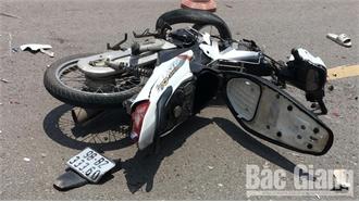 Bắc Giang: Tai nạn liên hoàn với hai ô tô, ba người đi xe máy thương vong