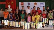 Tặng quà trẻ khuyết tật, hoàn cảnh khó khăn tại Việt Yên