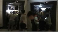 Cạy cửa thang máy giải cứu nhiều người mắc kẹt bên trong chung cư Hà Nội