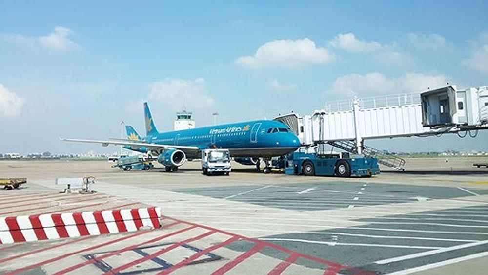 Nam hành khách, la hét chạy khỏi máy bay ở Tân Sơn Nhất, máy bay A321-683