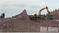Đối tượng khai thác đất trái phép tại huyện Lạng Giang bị phạt 7,5 triệu đồng