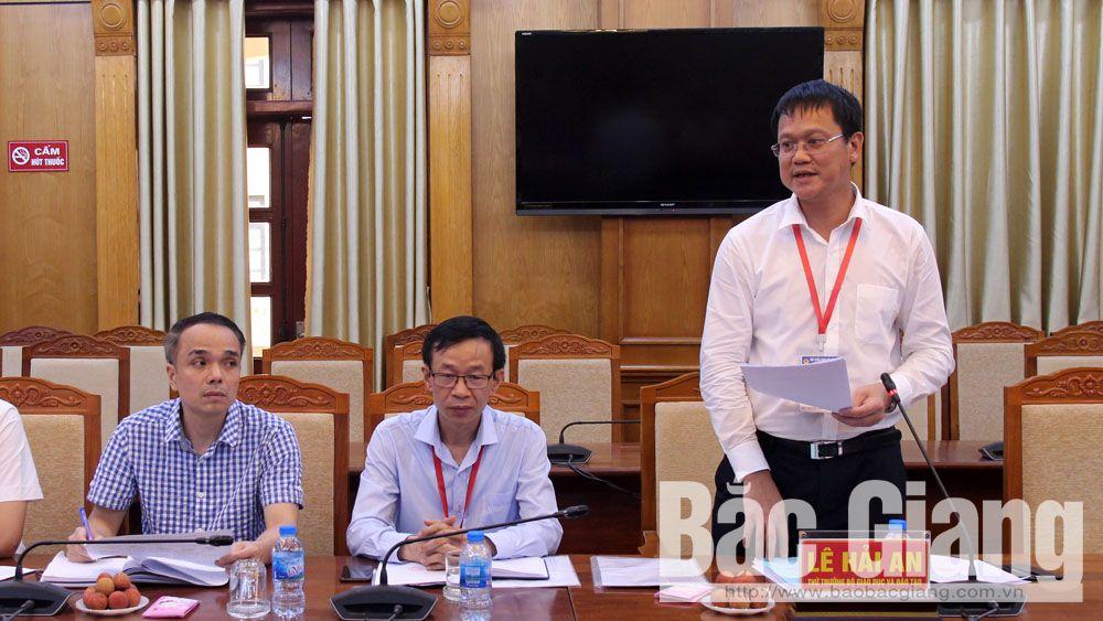 Thứ trưởng Lê Hải An phát biểu trao đổi với BCĐ Kỳ thi THPT quốc gia tỉnh Bắc Giang.