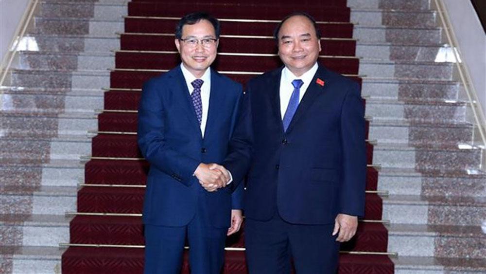 PM, Nguyen Xuan Phuc, Samsung Vietnam, expand operation,  electronics assembling, technological development