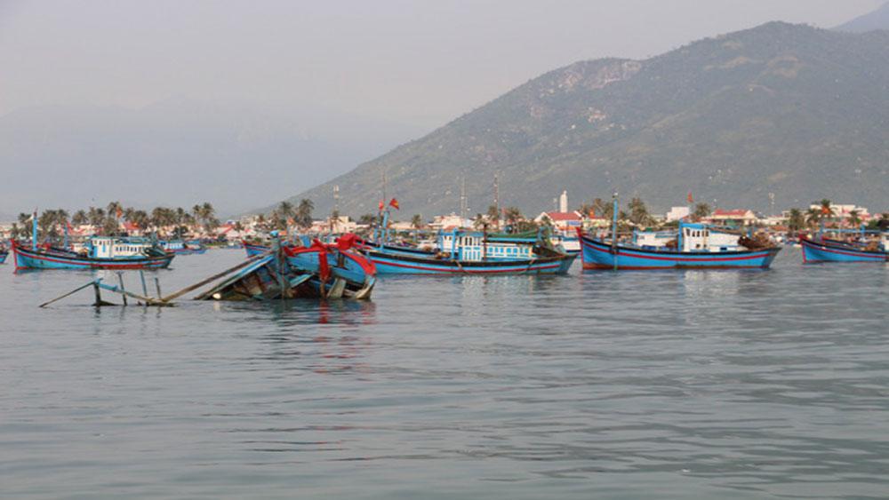 Nguyễn Văn Trâm, Khánh Hòa, Lật thuyền trên vịnh Vân Phong, 2 người thiệt mạng, 1 người mất tích, ông Trần Thế Phong, bà Lý Thị Thanh Thuỷ