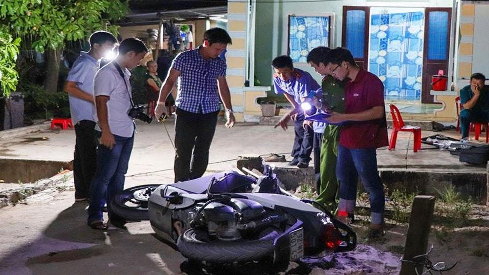 Xông vào nhà truy sát 3 cha con, thương vong, cái chuồng heo, ông Phạm Hồng Văn,