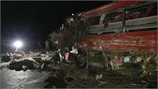 Hòa Bình: Tai nạn giao thông nghiêm trọng giữa xe khách và xe tải làm 3 người tử vong, 31 người bị thương