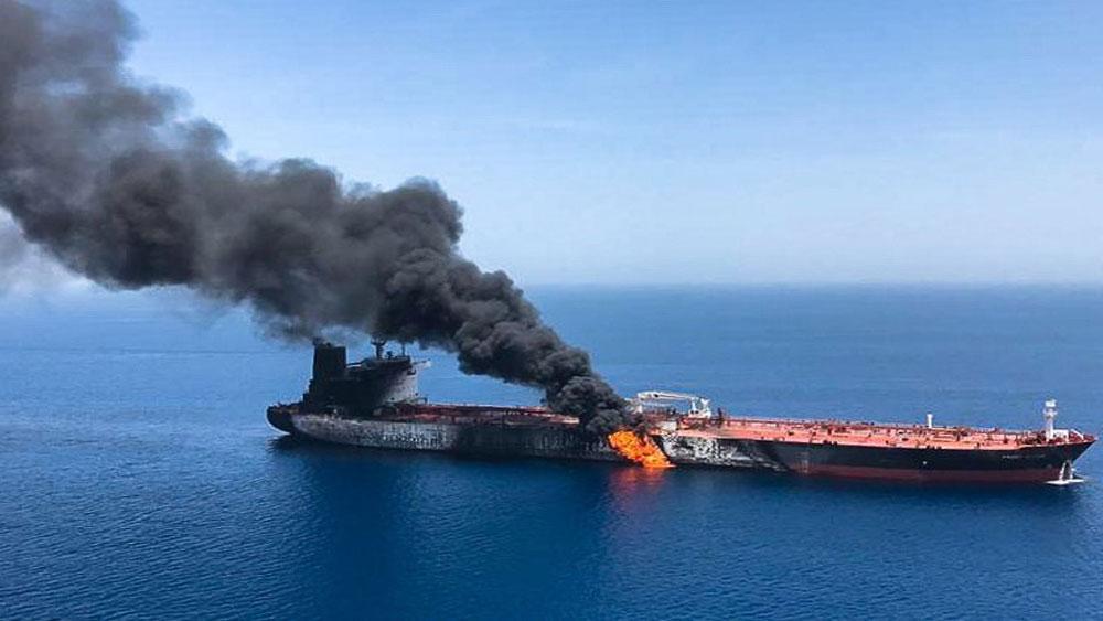 Sự cố tàu trên Vịnh Oman, Mỹ, để ngỏ lựa chọn, quân sự với Iran, tàu chở dầu Front Altair, Kokuka Courageous