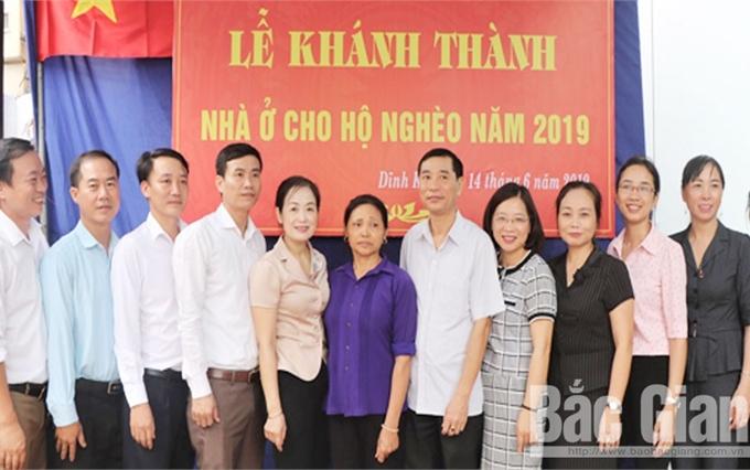 Khánh thành nhà ở cho hộ nghèo phường Dĩnh Kế