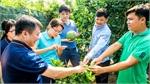 Bayer Agricademy trains fruit, coffee farmers