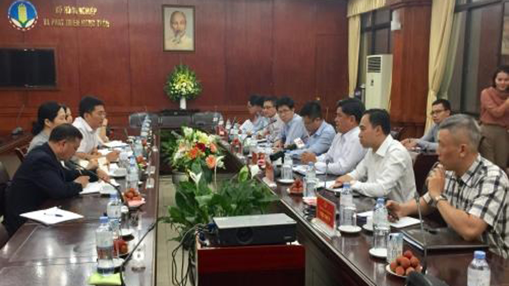 Vietnam, China, agricultural product trading, bilateral trade, farm produce, goods imports, traceability of products, food safety, high-quality, competitive products