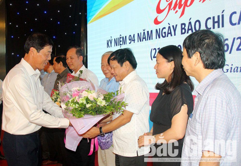 Bùi Văn Hải, gặp mặt, Ngày Báo chí cách mạng Việt Nam, 21-6, Bắc Giang, chúc mừng, gặp mặt báo chí
