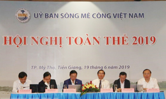 Vietnam Mekong River Commission holds first plenary meeting in 2019