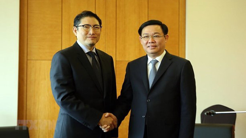 Vietnam, Korean investments, Deputy PM, Vuong Dinh Hue, Vietnamese Government, leading Korean corporations,  long-term investments