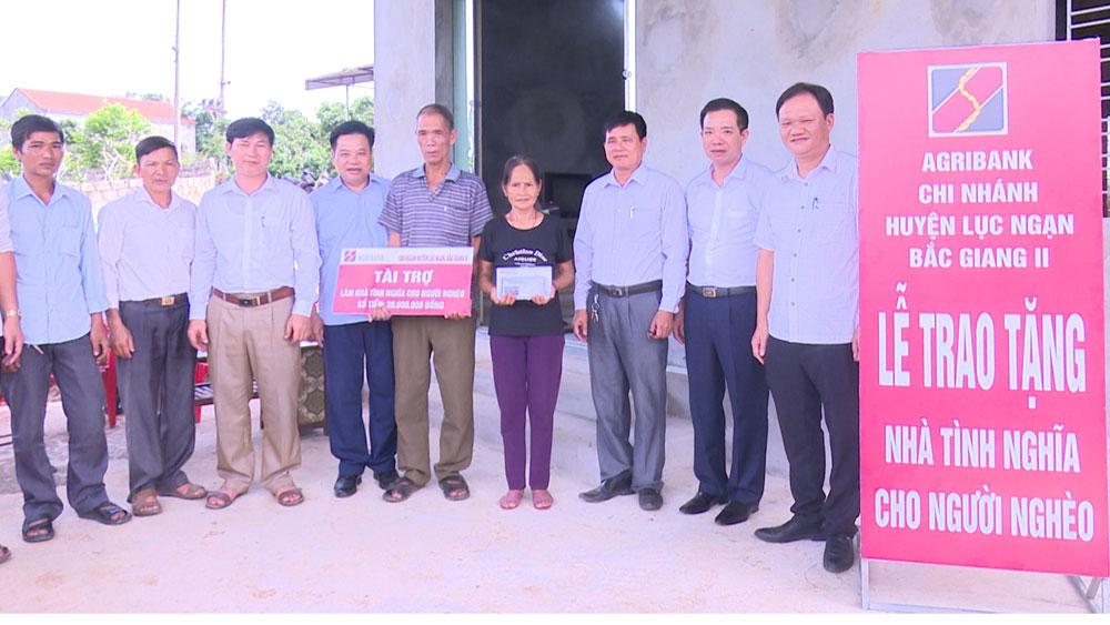 Lục Ngạn hỗ trợ xây nhà đại đoàn kết cho hộ nghèo