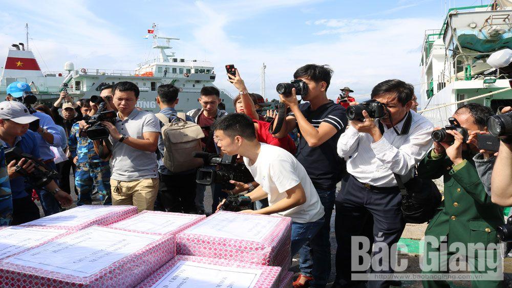 báo chí.  nhà báo, mạng xã hội, báo, Bắc Giang