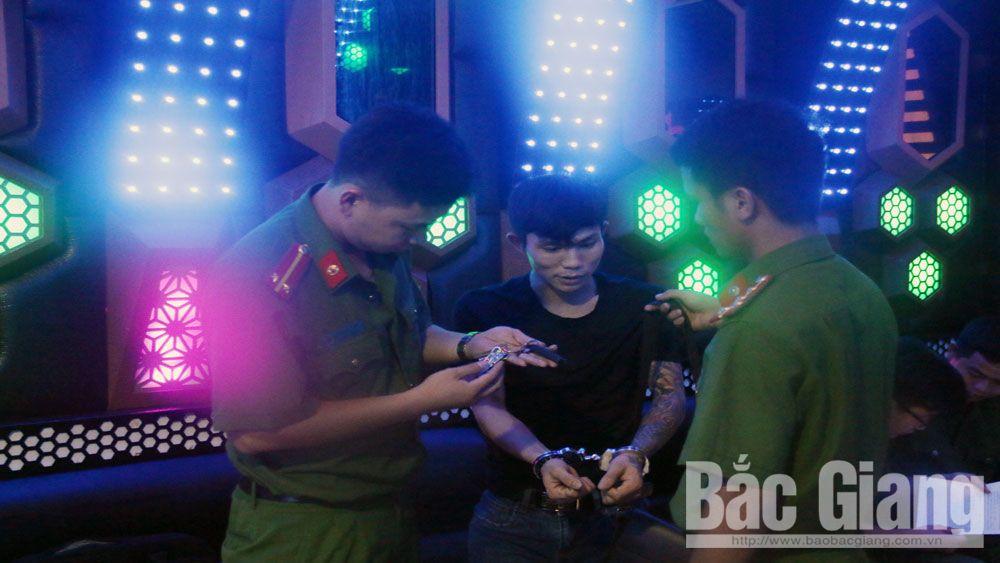 nhà báo, báo chí, phóng viên, ma túy, Bắc Giang