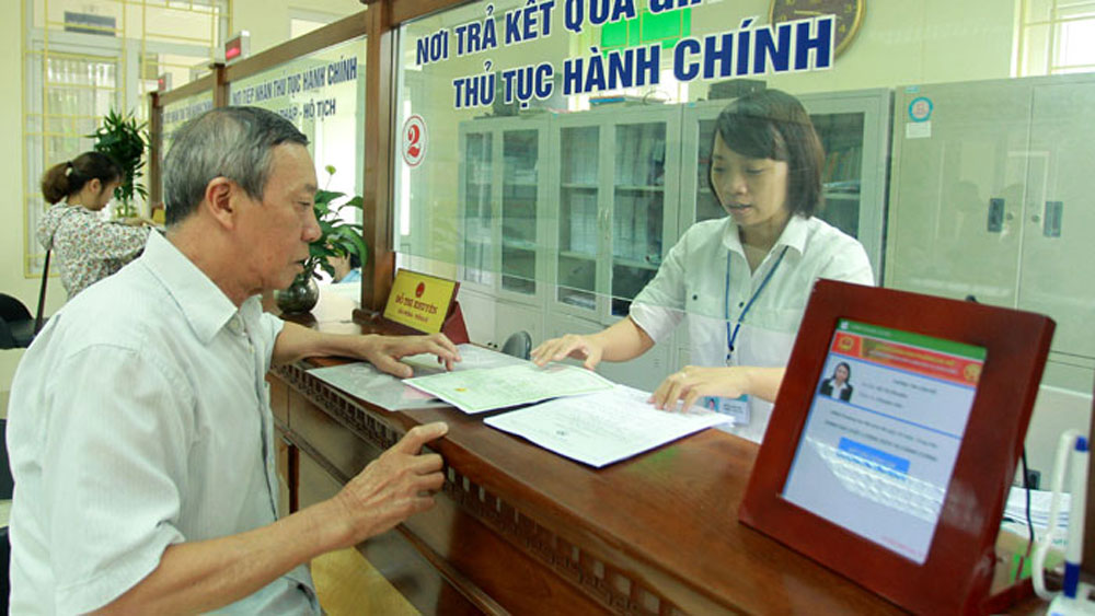 Hanoi, high ranking, administrative reforms, PAPI, publicity and transparency, online public services, information technology application