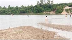 Nghệ An: Ba học sinh đuối nước khi tắm sông