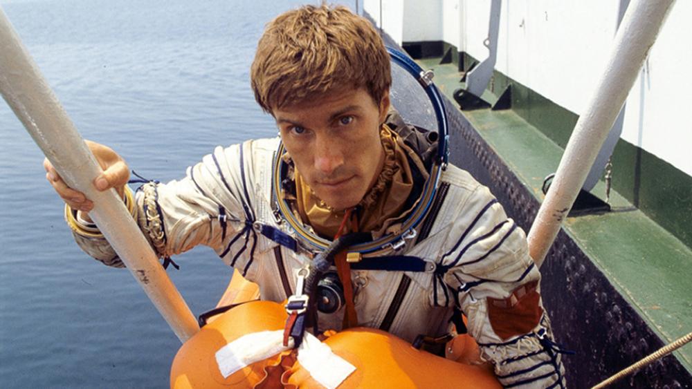 phi hành gia, Sergei Krikalev, Công dân cuối cùng của Liên Xô, Trạm vũ trụ Hòa Bình, Liên Xô tan rã