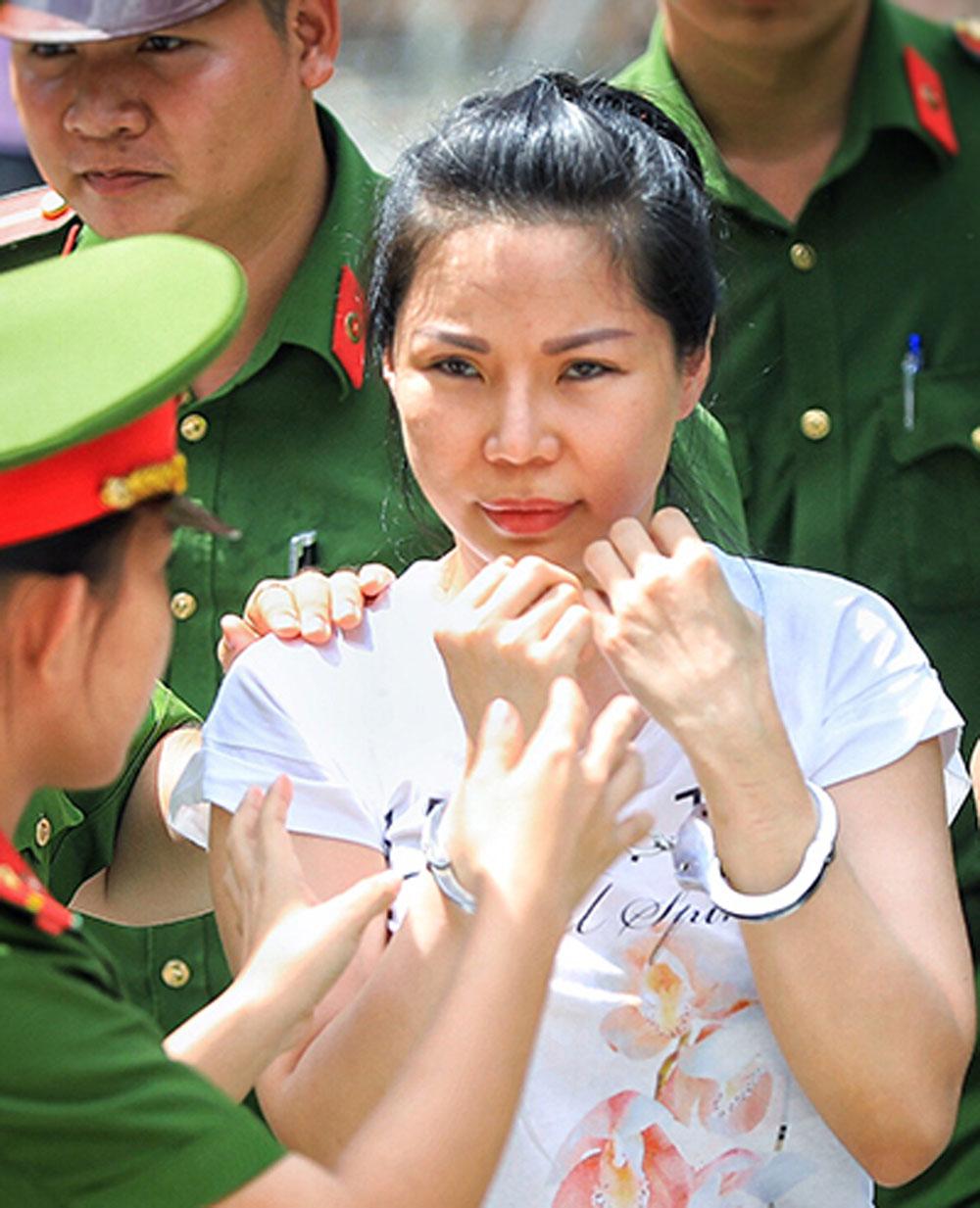 Vợ bác sĩ Chiêm Quốc Thái, lĩnh 18 tháng tù, Việt kiều Vũ Thụy Hồng Ngọc