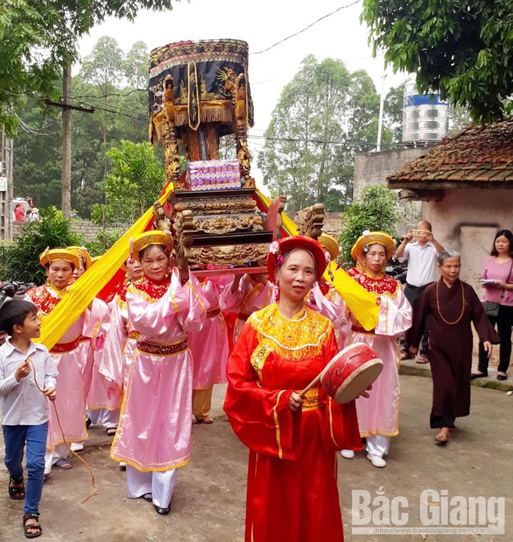 Bắc Giang, núi Đót, cuốc bằng đá, rìu tay, lễ hội dân gian