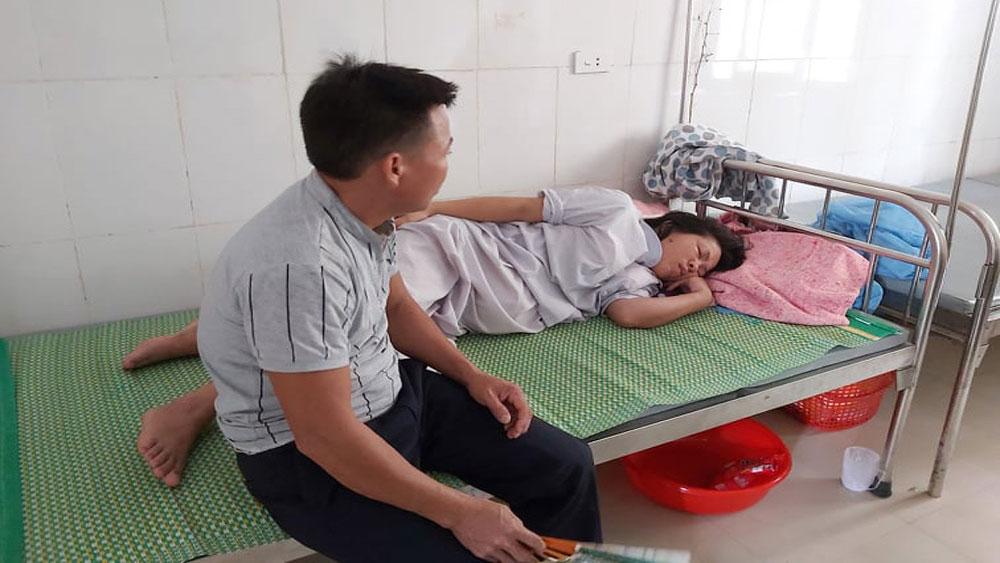 Trẻ sơ sinh tử vong, người nhà tố bác sĩ, kéo đứt cổ trẻ, Nguyễn Thị Tình