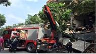 Nguyên nhân tầng 2 ngôi nhà trên phố cổ Hà Nội đổ sập