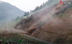 Mưa lũ cuốn 5.000 m3 đất đá gây sạt lở đường ở Lai Châu