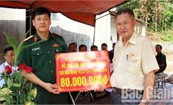 Quân đoàn 2 hỗ trợ 80 triệu đồng xây nhà cho nạn nhân chất độc màu da cam
