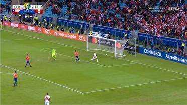 Paulo Guerrero ghi bàn ấn định tỷ số 3-0 cho đội tuyển Peru