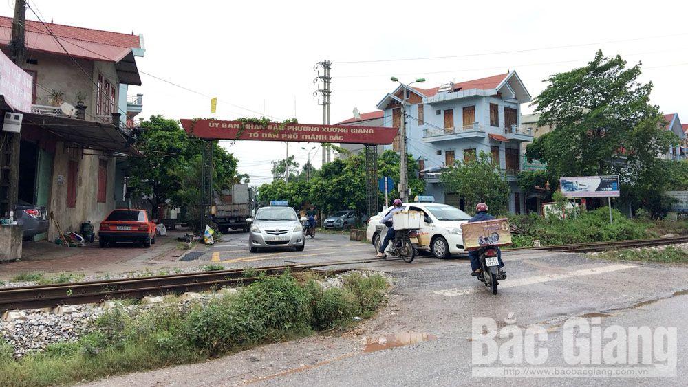 tai nạn đường sắt, Tai nạn giao thông, tàu hỏa va ô tô, Tai nạn giao thông nghiêm trọng, Đường sắt Hà Nội- Lạng Sơn