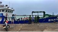 Đã bơm hút hơn 25 nghìn lít dầu trên tàu bị chìm ở Cảng Phú Quý