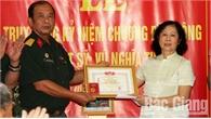 Truy tặng Kỷ niệm chương Binh chủng Đặc công cho liệt sĩ Vũ Nghĩa Thung