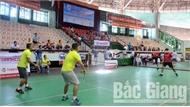 225 cây vợt tranh tài tại giải vô địch cầu lông các nhóm tuổi tỉnh Bắc Giang
