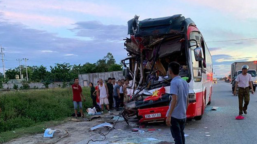 tai nạn giao thông, Xe khách du lịch Bắc Giang gặp tai nạn giao thông, tai nạn giao thông nghiêm trọng, Bắc Giang, Nghệ An, 1 người tử vong