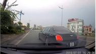 Pha nhập làn dễ gây hoạ của xe siêu sang Bentley tại Hà Nội