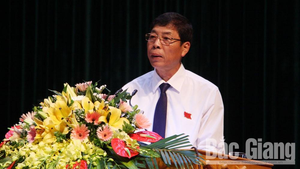 Đồng chí Bùi Văn Hải phát biểu khai mạc kỳ họp.