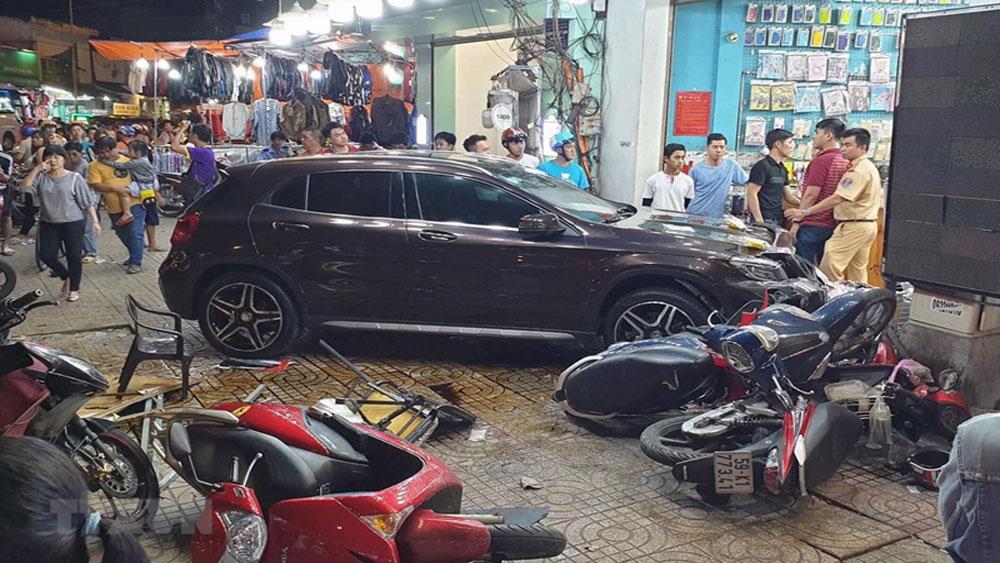 Bất ngờ, nguồn gốc xe Mercedes, nữ tài xế ,lái tông người, nằm la liệt, TP Hồ Chí Minh, nữ tài xế Võ Thị Tân Huyền