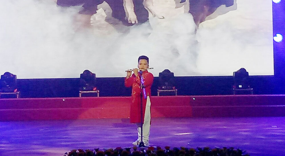 Bac Giang team, outstanding achievement award, art festival for teenagers, Ninh Binh province, art performances, outstanding teams