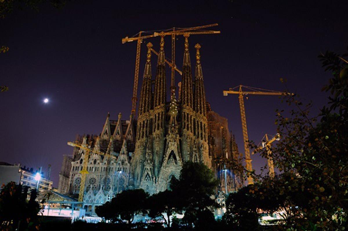 Tháp Eiffel, Kiến Trúc, Nữ thần Tự do, La Sagrada Família, Hallgrimur