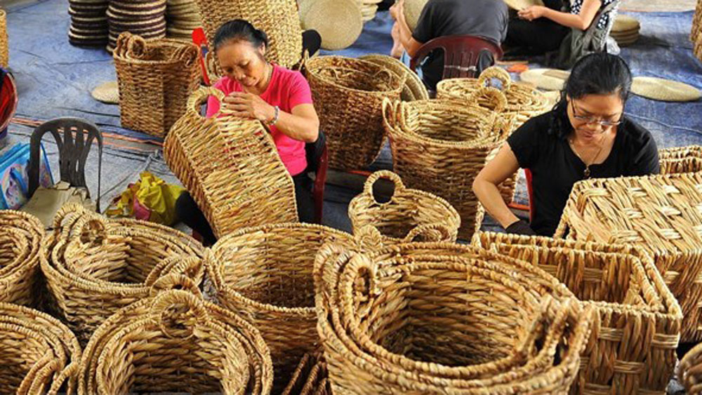 Vietnamese handicrafts, Singapore, natural and environmentally friendly gift, gift fair, labour-intensive commodity sector, latest trends