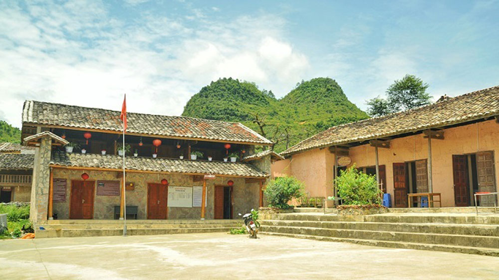 Lo Lo Chai, Ha Giang province, modern construction, rocky plateau, cultural tourism village, homestay facilities, Cuc Bac Café