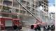Giải cứu hàng chục người trong vụ cháy ký túc xá